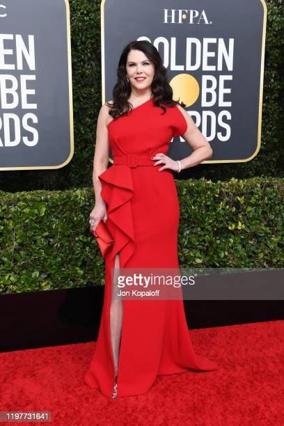 Lauren Graham attends the 77th Annual Golden Globe Awards at The Beverly Hilton Hotel on January 05, 2020 in Beverly Hills, California.