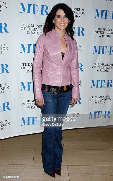 Lauren Graham during 'Gilmore Girls' 100th Episode Celebration Presented by The Museum of Television Radio at The Museum of Television Radio in...