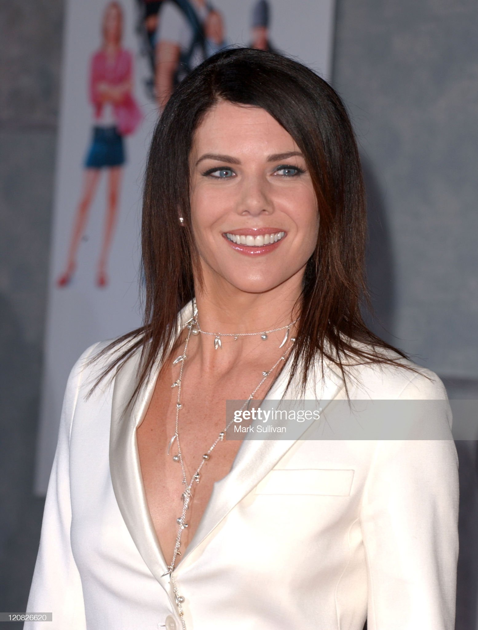 ¿Cuánto mide Lauren Graham? - Real height Lauren-graham-during-the-pacifier-los-angeles-premiere-arrivals-at-picture-id120826620?s=2048x2048