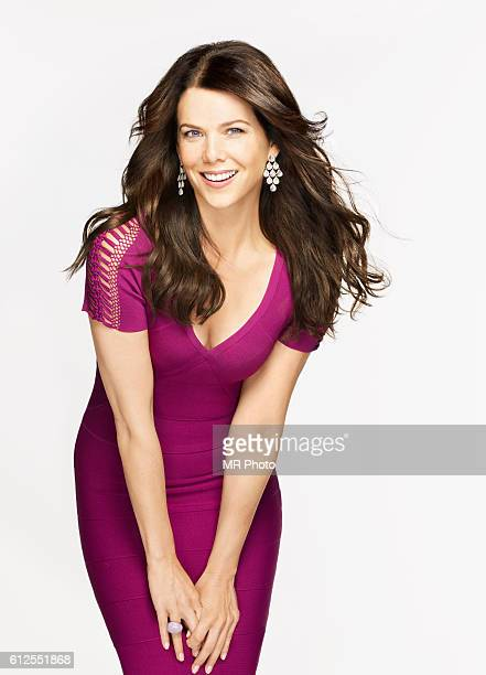 Lauren Graham is photographed for Redbook Magazine on August 6 2010 in Los Angeles California PUBLISHED IMAGE