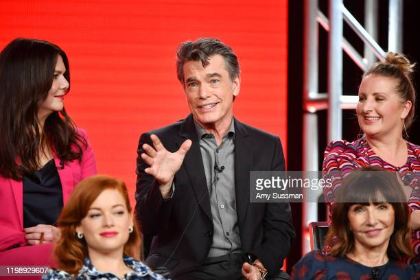 Lauren Graham Peter Gallagher Mandy Moore Jane Levy and Mary Steenburgen of Zoey's Extraordinary Playlist speak during the NBCUniversal segment of...