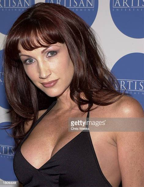 Lauren Hays poses for photographers at the DetailsArtisan Entertainment party in Hollywood Ca March 24 2000