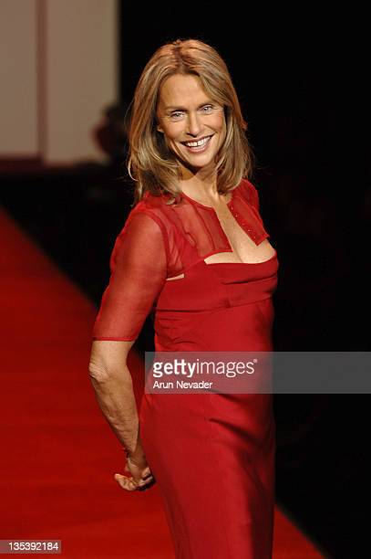 Lauren Hutton wearing Narciso Rodriguez during Heart Truth Red Dress Fall 2007
