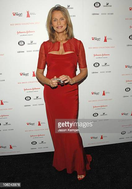 Lauren Hutton wearing Narciso Rodriguez during MercedesBenz Fashion Week Fall 2007 Heart Truth Red Dress Arrivals in New York City New York United...