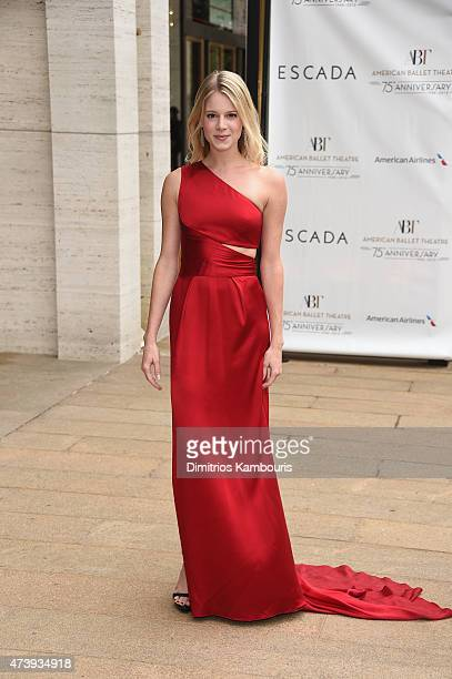 Lauren Post attends the American Ballet Theatre's 75th Anniversary Diamond Jubilee Spring Gala at The Metropolitan Opera House on May 18 2015 in New...