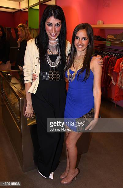Lauren Rae Levy and Kelli Brooke Tomashoff attend Dress for Success Sip and Shop at Big Drop Soho on June 16 2009 in New York City