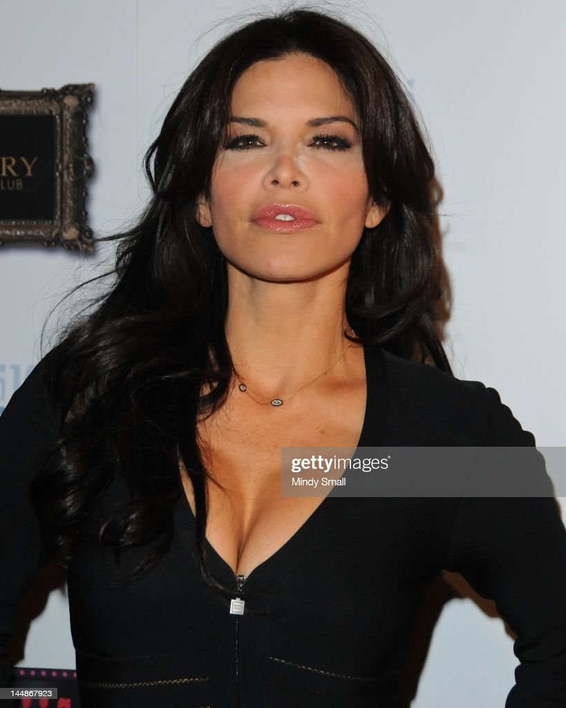 Lauren Sanchez Performs With The Las Vegas Pussycat Dolls : Foto jornalística
