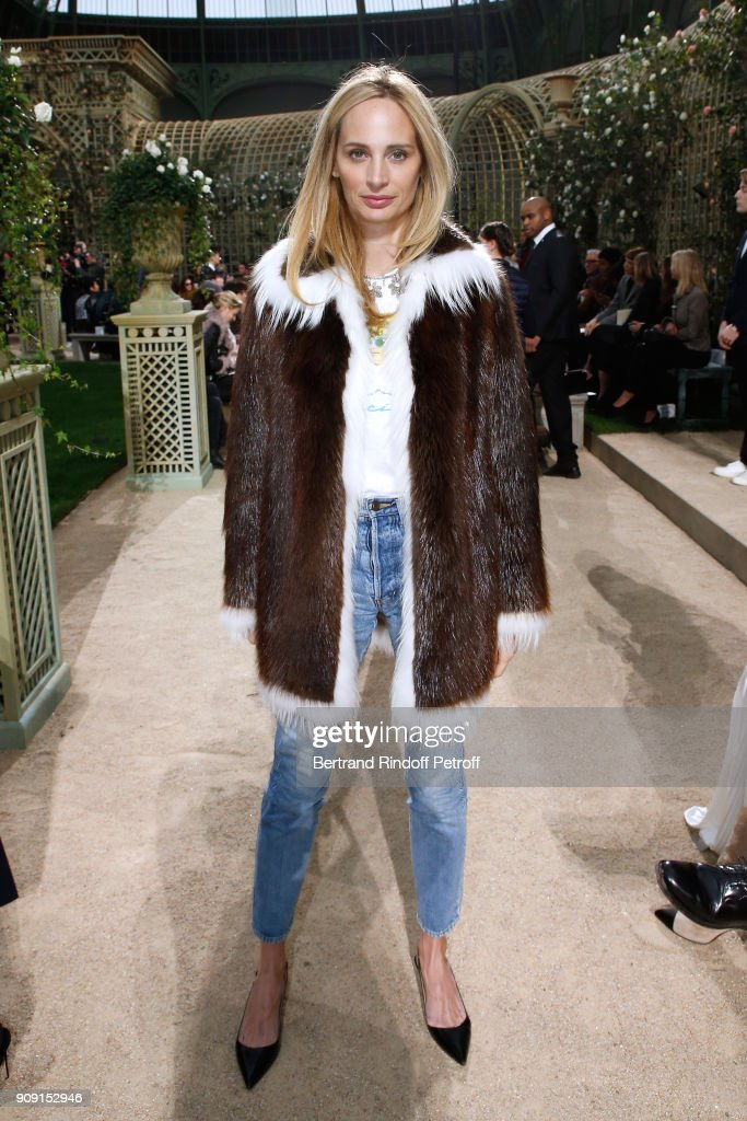 lauren-santo-domingo-attends-the-chanel-haute-couture-spring-summer-picture-id909152946