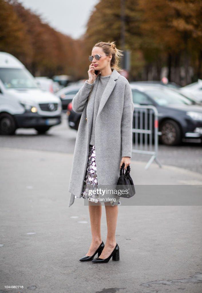 Street Style : Paris Fashion Week Womenswear Spring/Summer 2019 : Day Nine : Photo d'actualité