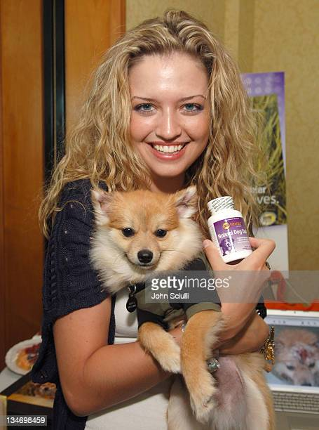 Lauren Storm at Pet Naturals of Vermont during Melanie Segal's Platinum Luxury Gifting Suite in Celebration of the 58th Annual Emmys and the 2006 MTV...