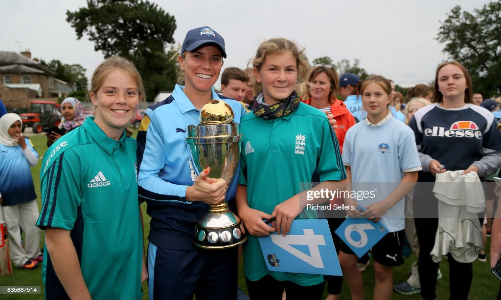Lauren Winfield of Yorkshire Diamonds and young cricket fans with the world cup after the Kia Super League between Yorkshire Diamonds v Western Storm at York on August 20, 2017 in York, England.