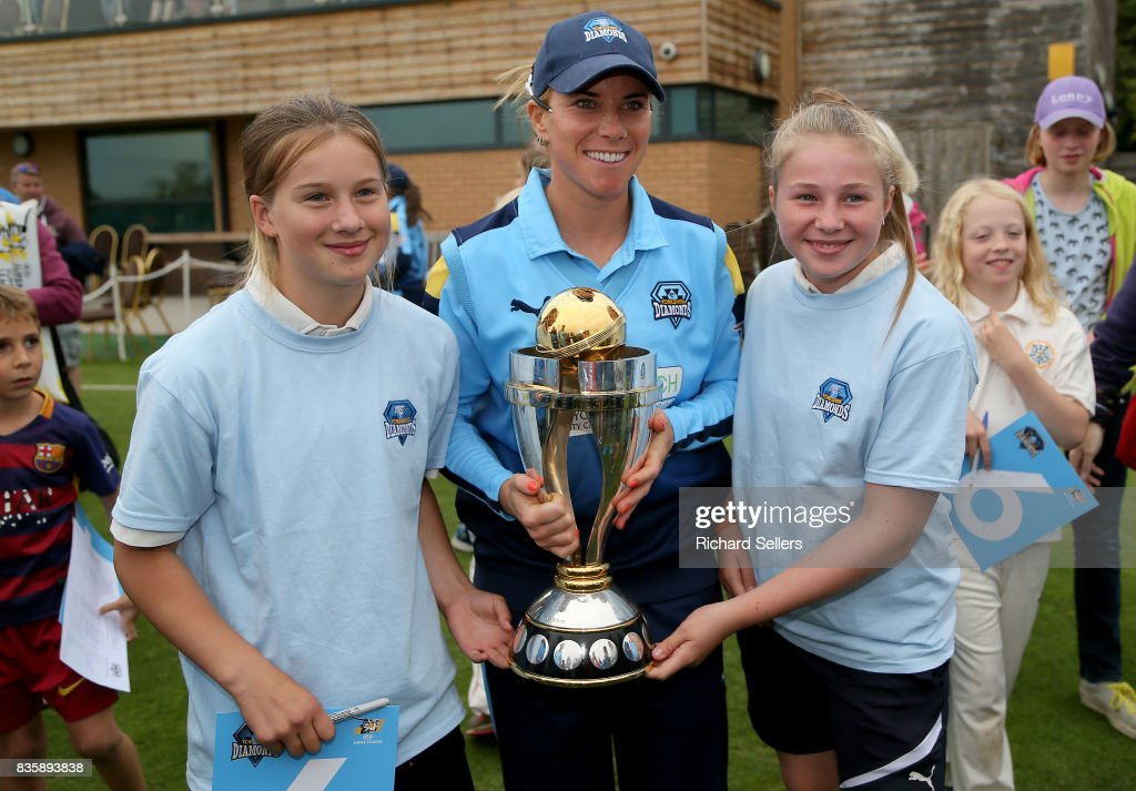 Lauren Winfield of Yorkshire Diamonds and young cricket fans with the world cupd afterthe Kia Super League between Yorkshire Diamonds v Western Storm at York on August 20, 2017 in York, England.