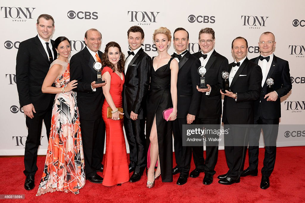 Lauren Worsham, Bryce Pinkham, Robert L. Freedman, Jefferson Mays Darko Tresnjak and cast of 'A Gentleman's Guide To Love And Murder' pose in the press room during the 68th Annual Tony Awards on June 8, 2014 in New York City.