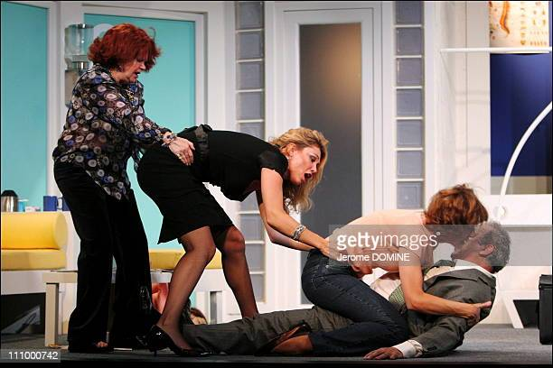 """Laurence Badie, Juliette Meyniac, Virginie Lemoine and Francis Perrin at the repetition of the Theater play """"Si c'etait a refaire"""" of Laurent..."""