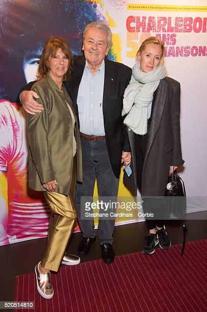 Laurence Charlebois Alain Delon and producer Odile McDonald at Bobino on April 11 2016 in Paris France