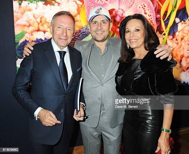 Laurence Graff and his wife AnneMarie with Marc Quinn attend the Graff charity auction and reception in aid of FACET at Christie's on October 12 2009...