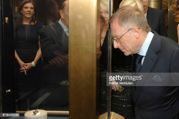 Laurence Graff attends WITTELSBACHGRAFF DIAMOND Unveiling Private Dinner at Smithsonian National Museum of Natural History on January 28 2010 in...