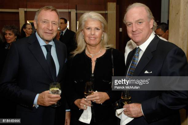 Laurence Graff Wendy McCaw and Arthur Von Wiesenberger attend WITTELSBACHGRAFF DIAMOND Unveiling Private Dinner at Smithsonian National Museum of...