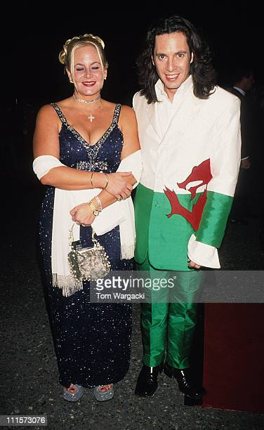 Laurence Llewellyn Bowen and wife Jackie during National Television Awards October 26 1999 in London Great Britain