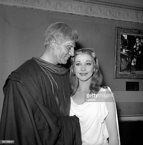 Laurence Olivier and Vivien Leigh in William Shakespeare's ' Titus Andronicus ' Staged of Peter Brook Paris theater of Nations in May 1957...