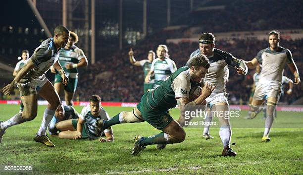 Laurence Pearce of Leicester dives for a try during the Aviva Premiership match between Leicester Tigers and Newcastle Falcons at Welford Road on...
