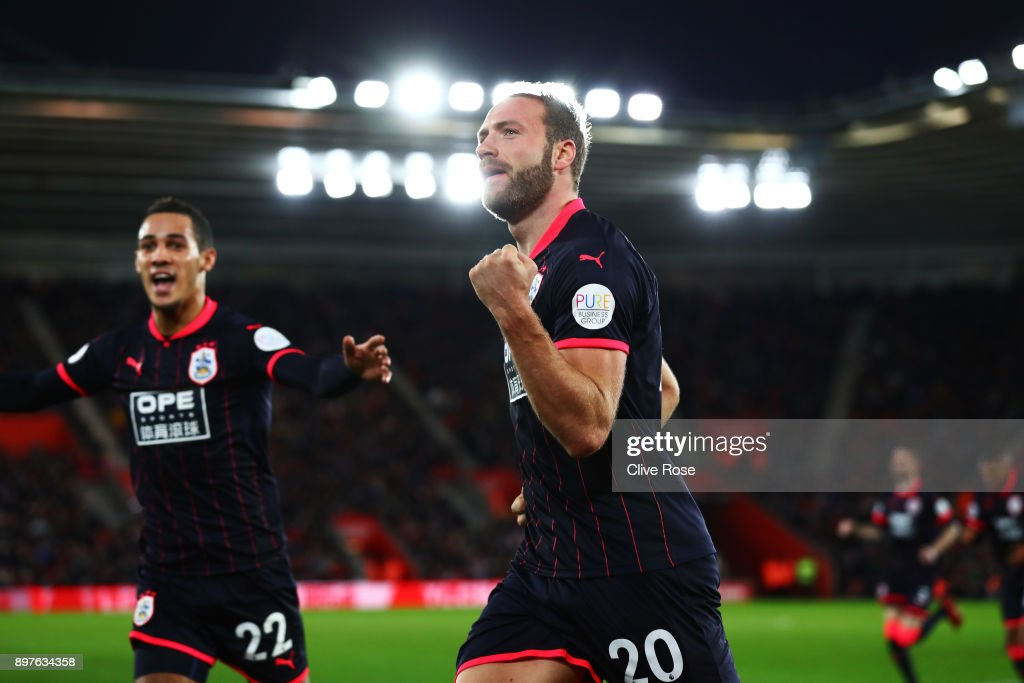 Laurent Depoitre of Huddersfield Town celebrates after scoring his sides first goal during the Premier League match between Southampton and Huddersfield Town at St Mary's Stadium on December 23, 2017 in Southampton, England.