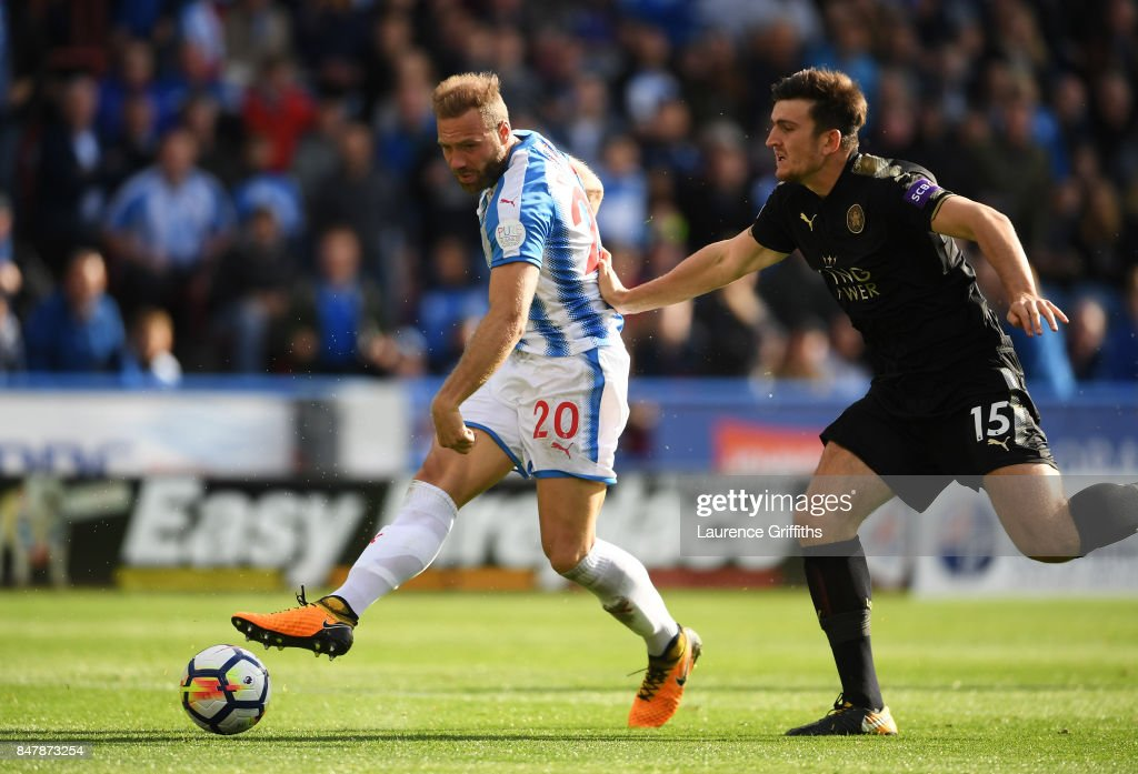 Laurent Depoitre of Huddersfield Town scores his sides first goal during the Premier League match between Huddersfield Town and Leicester City at John Smith's Stadium on September 16, 2017 in Huddersfield, England.