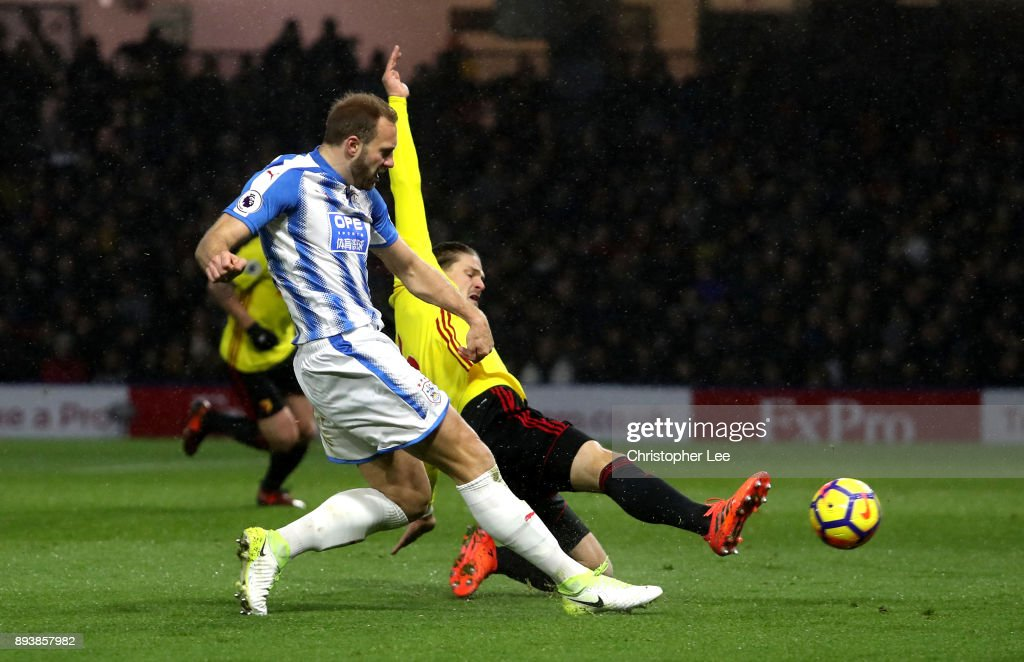 Laurent Depoitre of Huddersfield Town scores his sides third goal during the Premier League match between Watford and Huddersfield Town at Vicarage Road on December 16, 2017 in Watford, England.