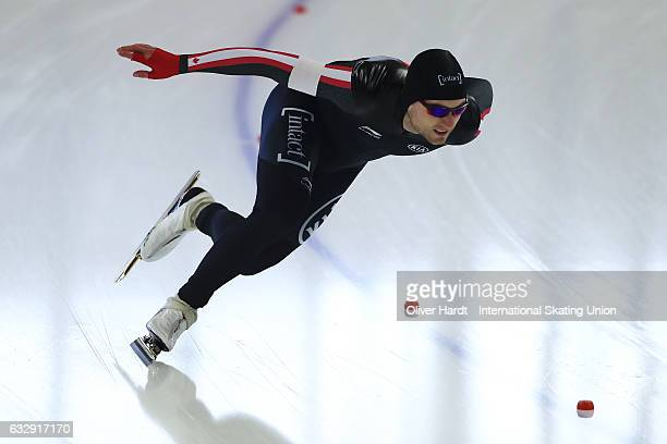 Laurent Dubreuil of Canada competes in the Men Divison A 1000 meter race during the ISU World Cup Speed Skating Day 2 at the Sportforum Berlin...