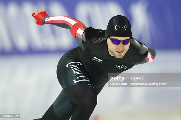 Laurent Dubreuil of Canada competes in the Men Divison A 1000m race during the ISU World Cup Speed Skating Day 3 at the Sportforum Berlin Stadium on...