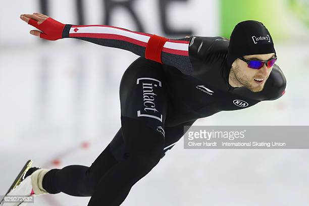 Laurent Dubreuil of Canada competes in the Men's A Divison 1000m during ISU World Cup Speed Skating Day 3 on December 11 2016 in Heerenveen...