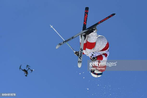 Laurent Dumais of Canada competes in the Men's Moguls qualification on day one of the FIS Freestyle Ski Snowboard World Championships 2017 on March 8...