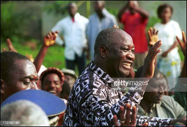 Laurent Gbagbo President of Cote D'Ivoire in Oume Côte d'Ivoire on November 30 2001 Ivory Coast's President Laurent Gbagbo arrives in the town of...