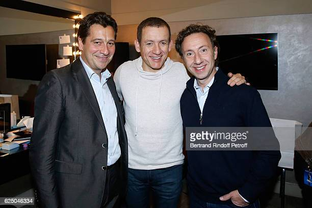 Laurent Gerra Dany Boon and Stephane Bern pose Backstage after the Dany De Boon Des HautsDeFrance Show at L'Olympia on November 16 2016 in Paris...
