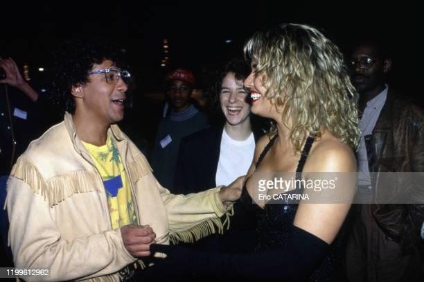 Laurent Voulzy et Kim Wilde lors de la Fête de la Musique à Paris le 21 juin 1990, France.