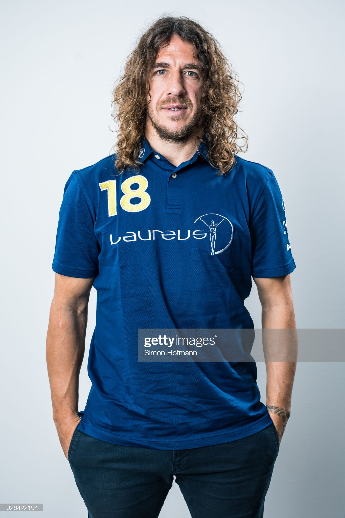 ¿Cuánto mide Carles Puyol? - Altura - Real height Laureus-academy-member-carles-puyol-poses-prior-to-the-2018-laureus-picture-id926422194?s=2048x2048