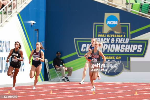 Laurie Barton of the Clemson Tigers competes in the 800 meter during the Division I Men's and Women's Outdoor Track & Field Championships held at...