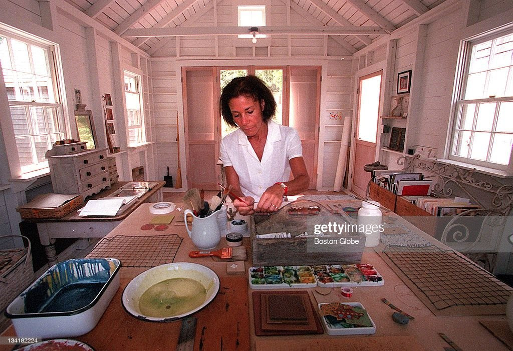 Laurie Brown At Home : News Photo