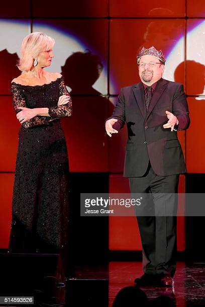 Laurie Burrows and actor Jason Alexander perform onstage during the 24th and final A Night at Sardi's to benefit the Alzheimer's Association at The...