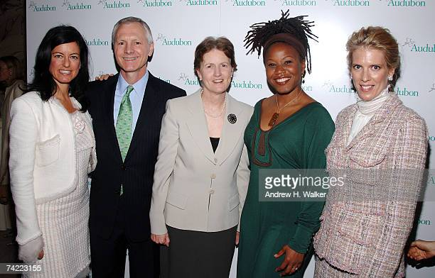 Laurie David CEO and president of the National Audubon Society John Flicker Frances Beinecke Marjora Carter and Deirdre Imus attend the National...