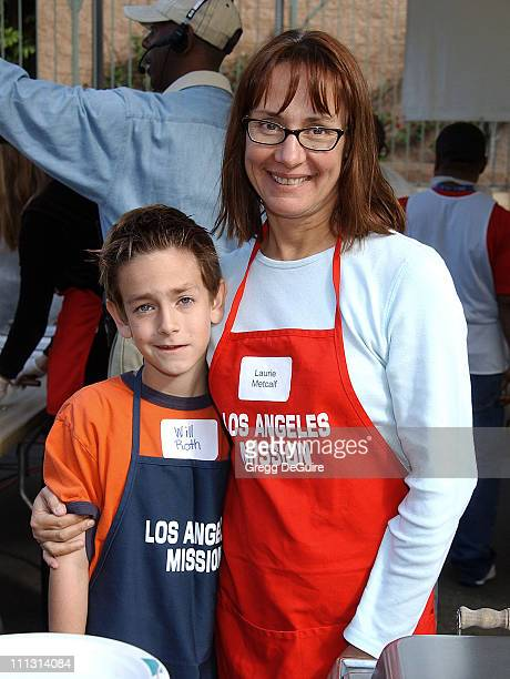 Laurie Metcalf son Will during Los Angeles Mission Thanksgiving Meal for the Homeless in Los Angeles California United States