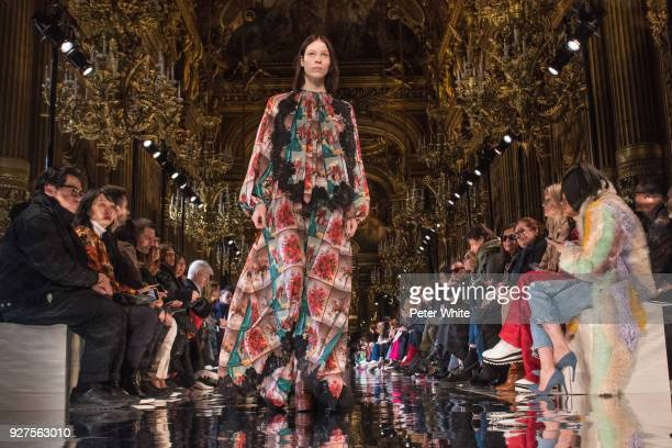 Laurien van der Holst walks the runway during the Stella McCartney show as part of the Paris Fashion Week Womenswear Fall/Winter 2018/2019 on March...