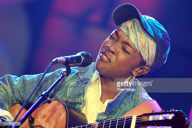 Lauryn Hill during Lauryn Hill performs Unplugged at MTV Studios in Times Square New York City at MTV Studios in Times Square in New York City New...