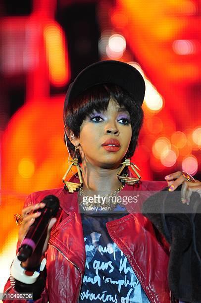 Lauryn Hill performs at the 6th Annual Jazz In The Gardens at Sun Life Stadium on March 19, 2011 in Miami Gardens, Florida.