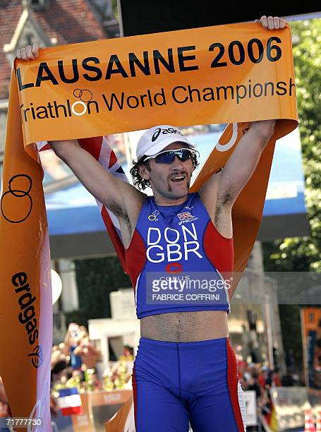 Tim Don of Great Britain reacts after he crosses the finish line to win the Men's Elite Triathlon World Championships 03 September 2006 in Lausanne...
