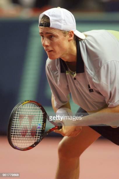 l'Australien Lleyton Hewitt attend le service du Francais Cedric Pioline le 04 novembre 1999 au Palais Omnisports de ParisBercy en huitième de finale...