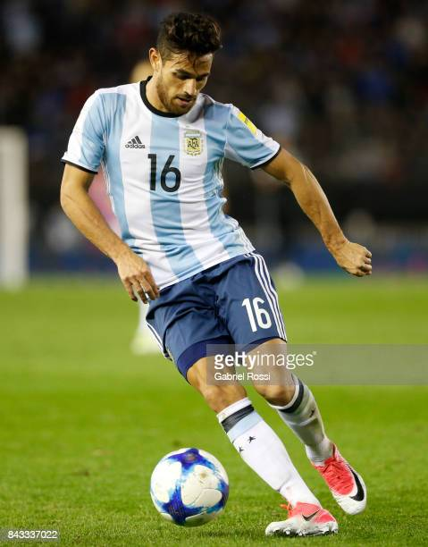 Lautaro Acosta of Argentina drives the ball during a match between Argentina and Venezuela as part of FIFA 2018 World Cup Qualifiers at Monumental...