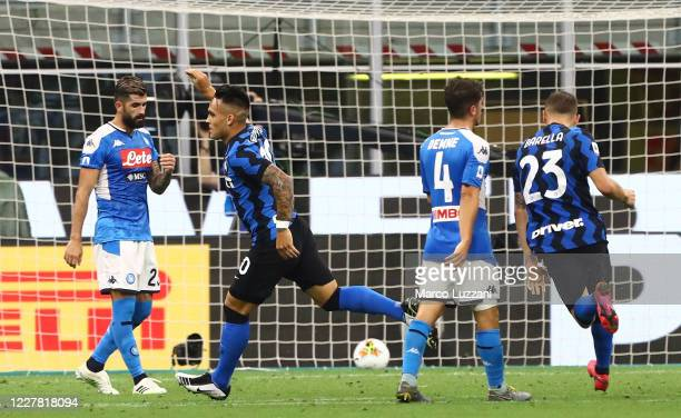 Lautaro Martinez of FC Internazionale celebrates his goal during the Serie A match between FC Internazionale and SSC Napoli at Stadio Giuseppe Meazza...