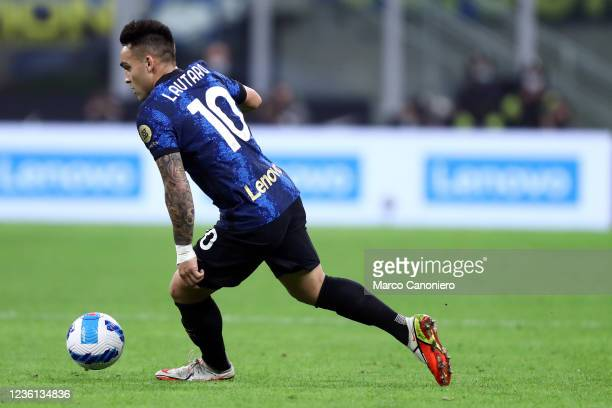 Lautaro Martinez of Fc Internazionale in action during the Serie A match between Fc Internazionale and Juventus Fc. The match ends in a tie 1-1.
