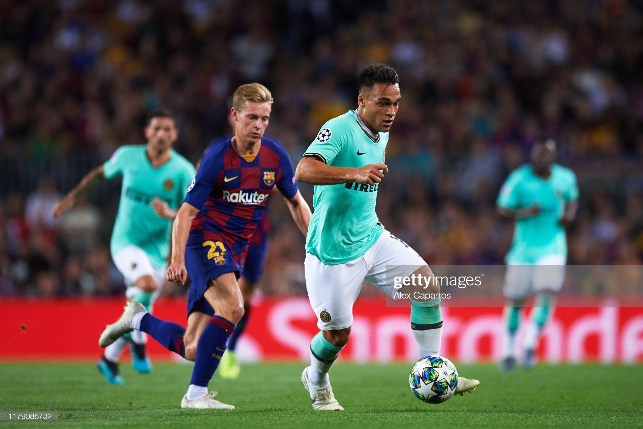 صور مباراة : برشلونة - إنتر 2-1 ( 02-10-2019 )  Lautaro-martinez-of-inter-runs-with-the-ball-followed-by-frenkie-de-picture-id1179086732?s=2048x2048